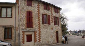 Immeuble – idéal pour investisseur, 5 appartements, rénové et occupé – centre Caussade