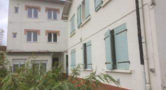 Immeuble – 10 appartements, en partie rénové – Caussade – ref 1395