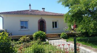 Maison – Rénovée – Plain-pied – 105 m² – Terrain de 2600 m² – Dépendance – 17 km de Caussade – REF 1214