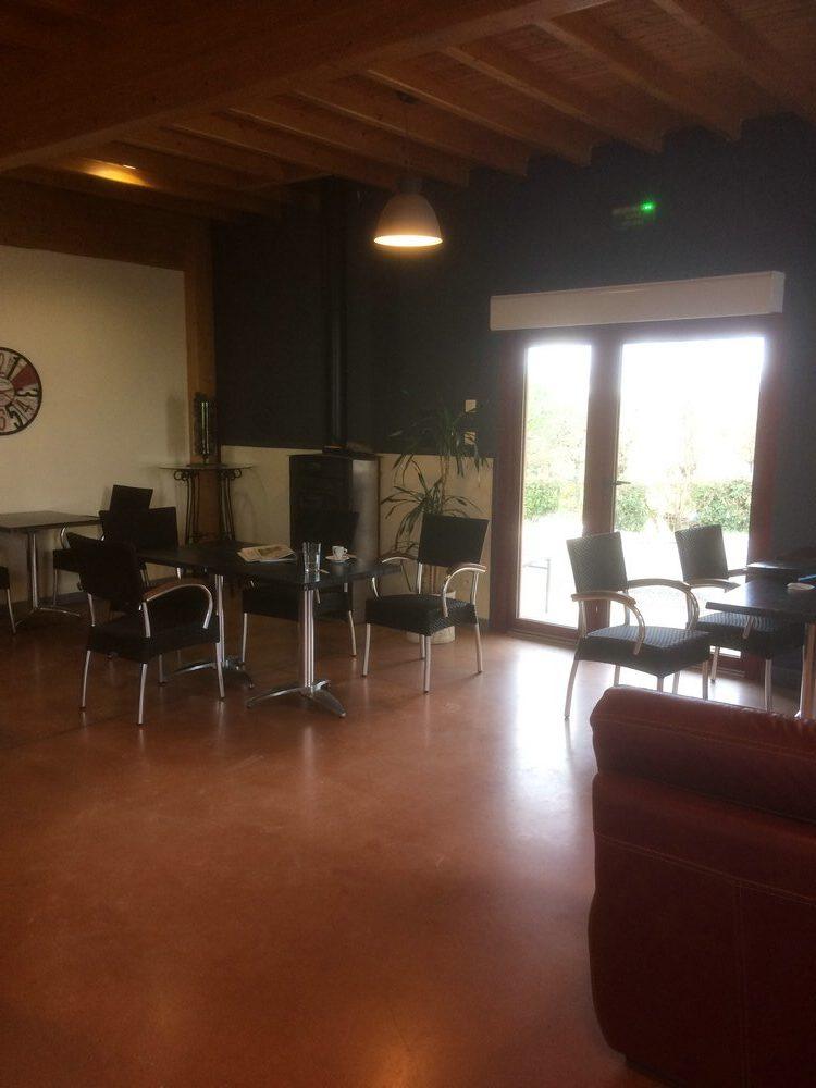 Fonds – Possibilité d'achat des murs d'une Boulangerie/Patisserie – Proche Caussade – REF 1404