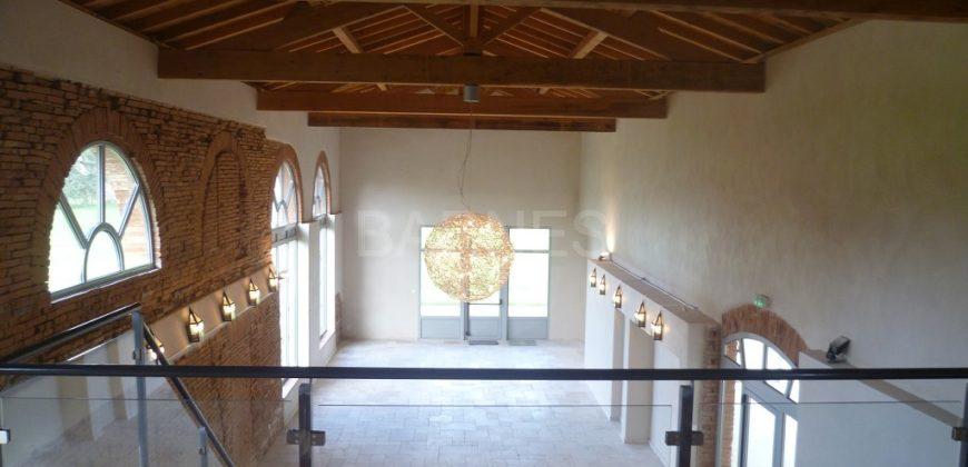 Bien de prestige – Château et ses dépendances rénovés – parc de 28ha – Proche Montauban – REF 1410