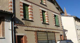 Immeuble – A rénover intégralement – Centre Caussade – Petit jardin – REF 1399