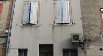 Immeuble – Centre ville de Caussade – Commerce au rez-de-chaussée – 2 appartements – REF 1042