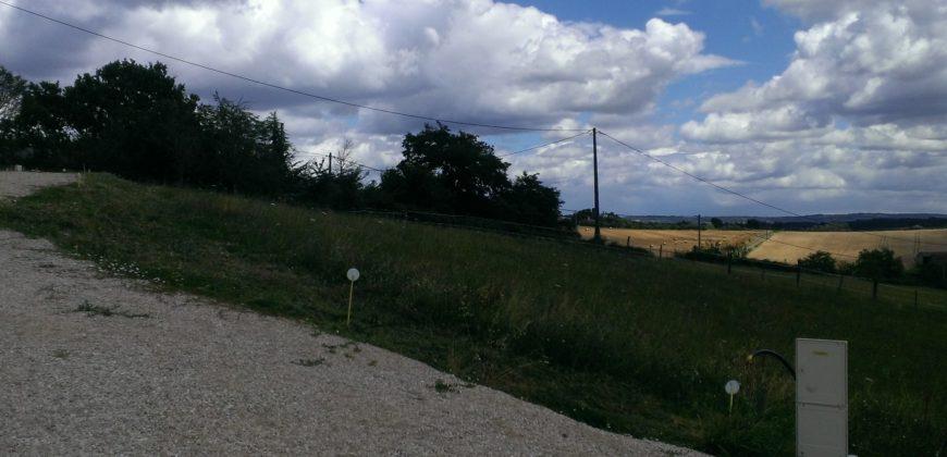 Caussade – 3 terrains à bâtir – 1 500m² – REF 1247