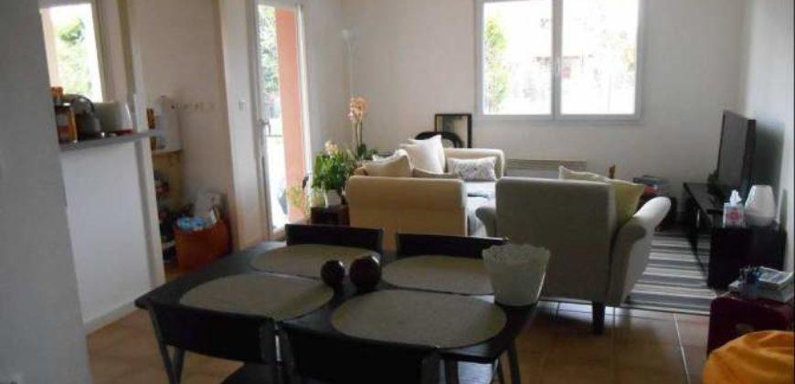 Appartement T3 – Caussade – Rez-de-chaussée – Petite terrasse dans une résidence sécurisée – Piscine – REF 1250