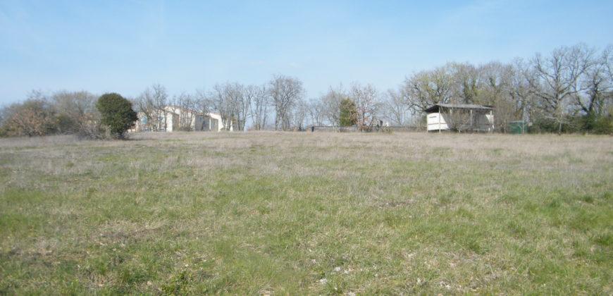 Beau terrain viabilisé avec CU, avec un mobil home – Montagudet – REF 1421