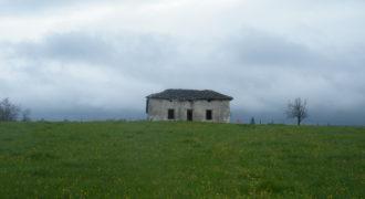 Terrain de 8 hectares avec vieille bâtisse – Molières – REF 1422