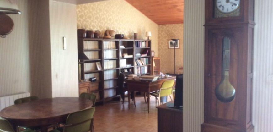 Maison en pierre,beau parc arboré – Septfonds – REF1446