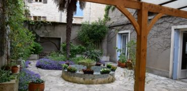Maison de village – 280 m² – PUYLAROQUE – réf 1302