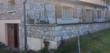 Maison en pierre mitoyenne – REF 1485