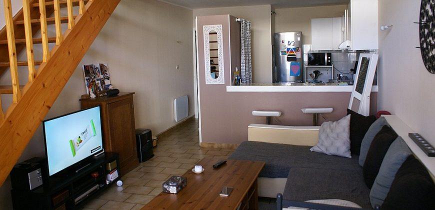 Maison-de type T3 duplex-Réalville centre avec jardin-REF 1493
