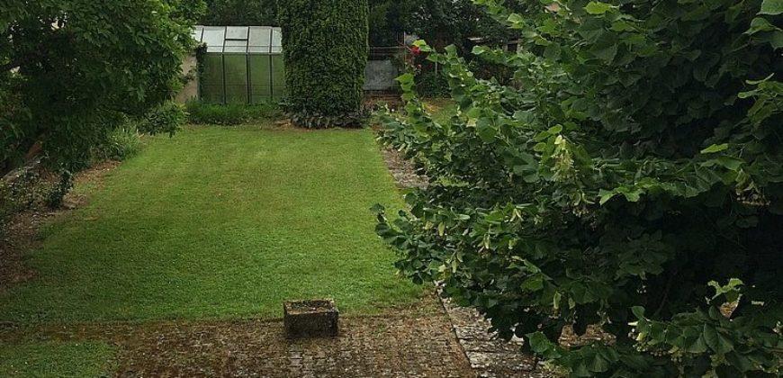 Maison bourgeoise-centre Caussade-a rafraîchir-jardin garage-proche commerces écoles-ref 1521