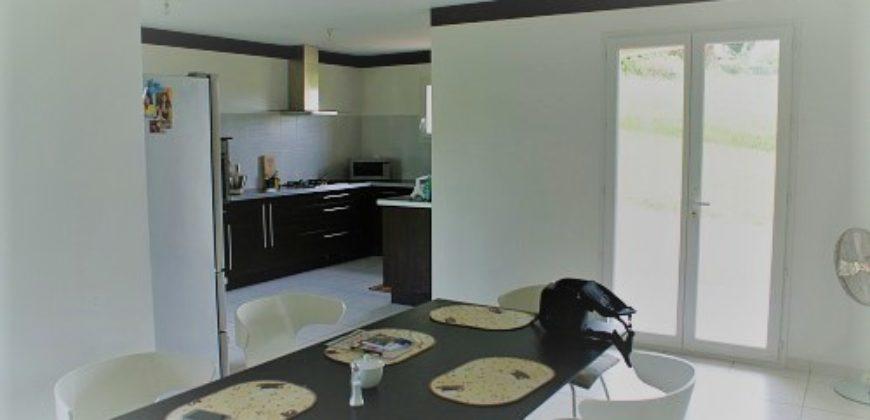 Maison a 2 km de Caussade récente T5 de plain pied 5000 m²  ref 1529