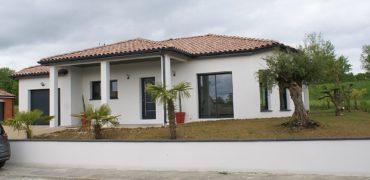 Maison- centre Caussade-neuve T5- plain-pied-aucun travaux à prévoir- REF 1572