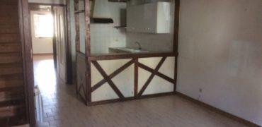 10 mn de Caussade Maison de Village avec jardin , 2 chambres REF: 1494