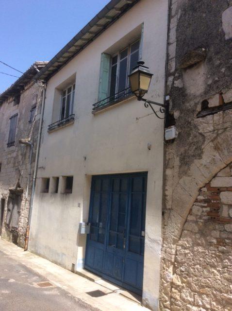 Maison de village 3 chambres à 10mn de Caussade PUYLAROQUE REF: 1589