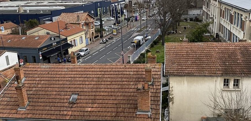Toulouse-appartement T4-4 ième étage ascenceur- proche métro barrière de Paris-balcons cave parking-ref1601