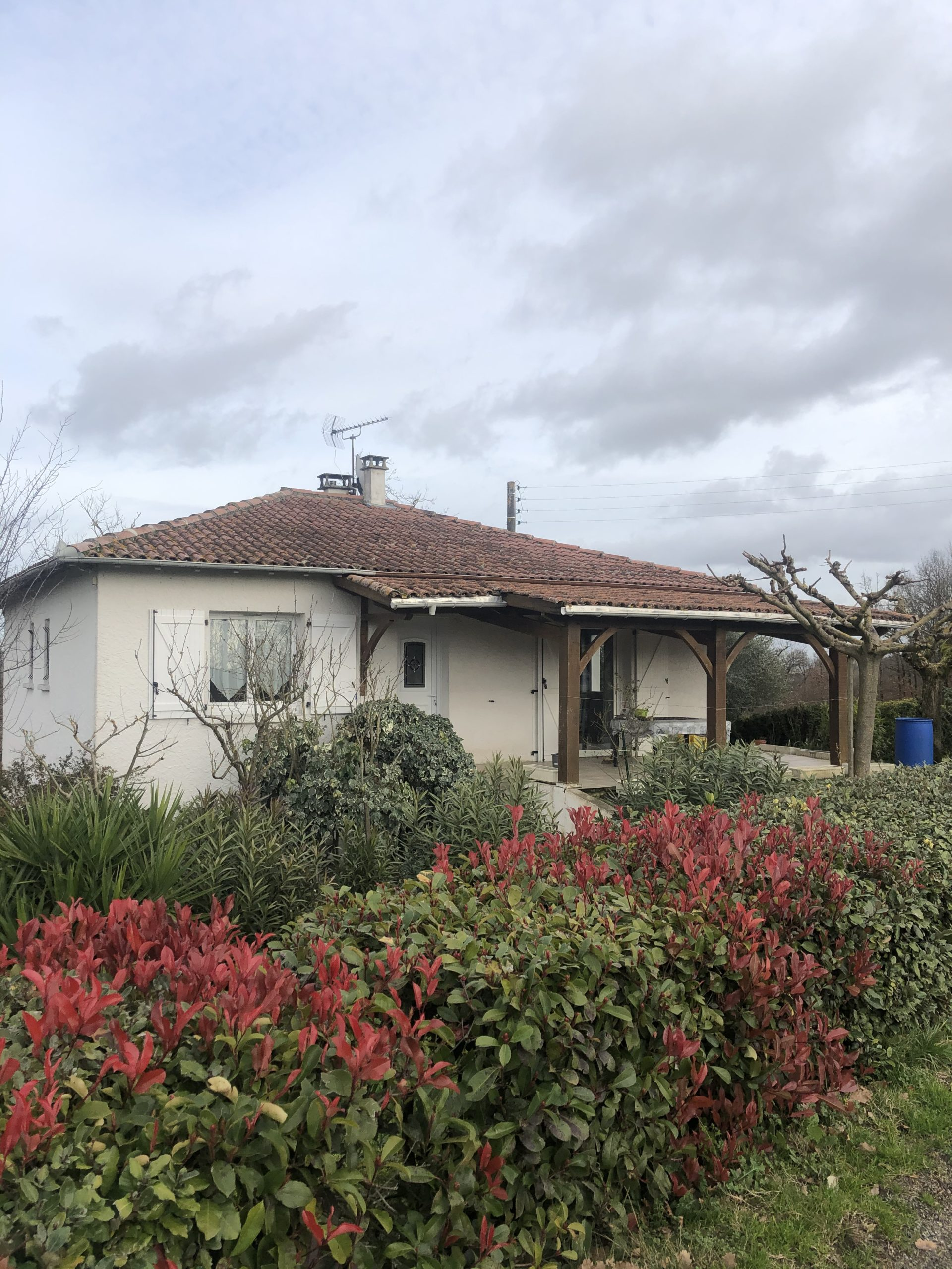 Jolie maison de 82m2, avec sous sol total à MIRABEL REF: 1612