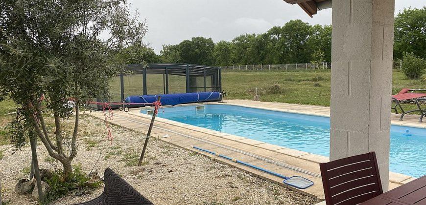 Fermette- typique du Lot- avec piscine et dépendance- très bien  rénovée sur 1,3 ha-réf 1643
